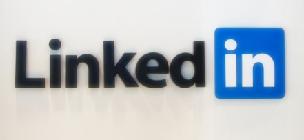 3 Reasons Why Linkedin Is More Than Social Media? image linkedin sign2