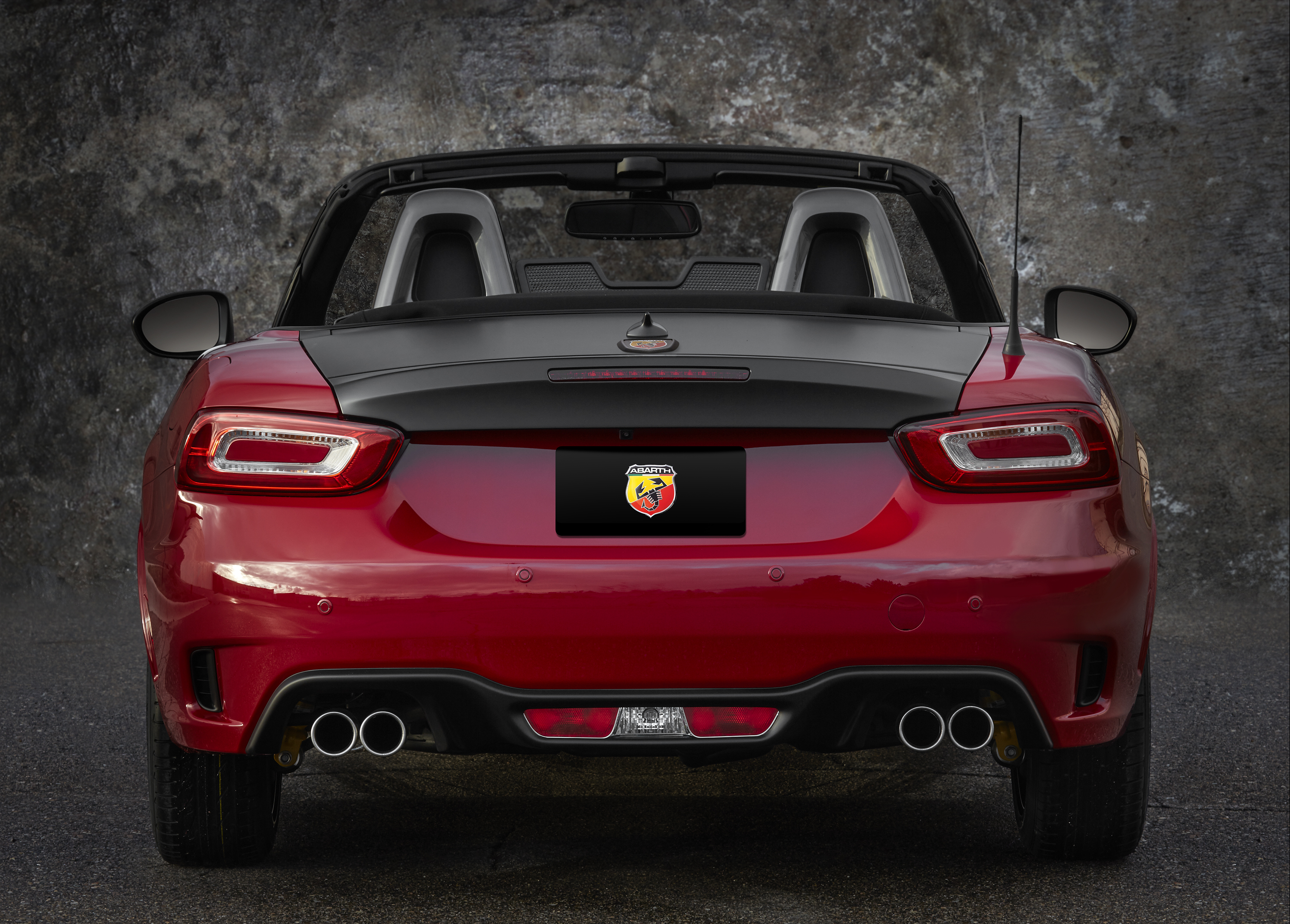 Scorpion Sting – 2017 Fiat 124 Spider Abarth Review