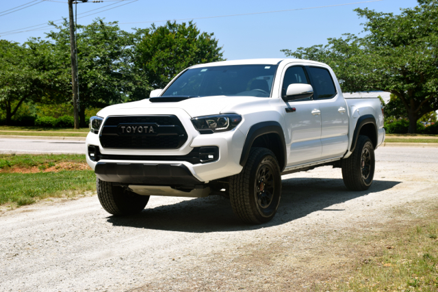 off road thrills with a toyota tacoma trd pro. Black Bedroom Furniture Sets. Home Design Ideas